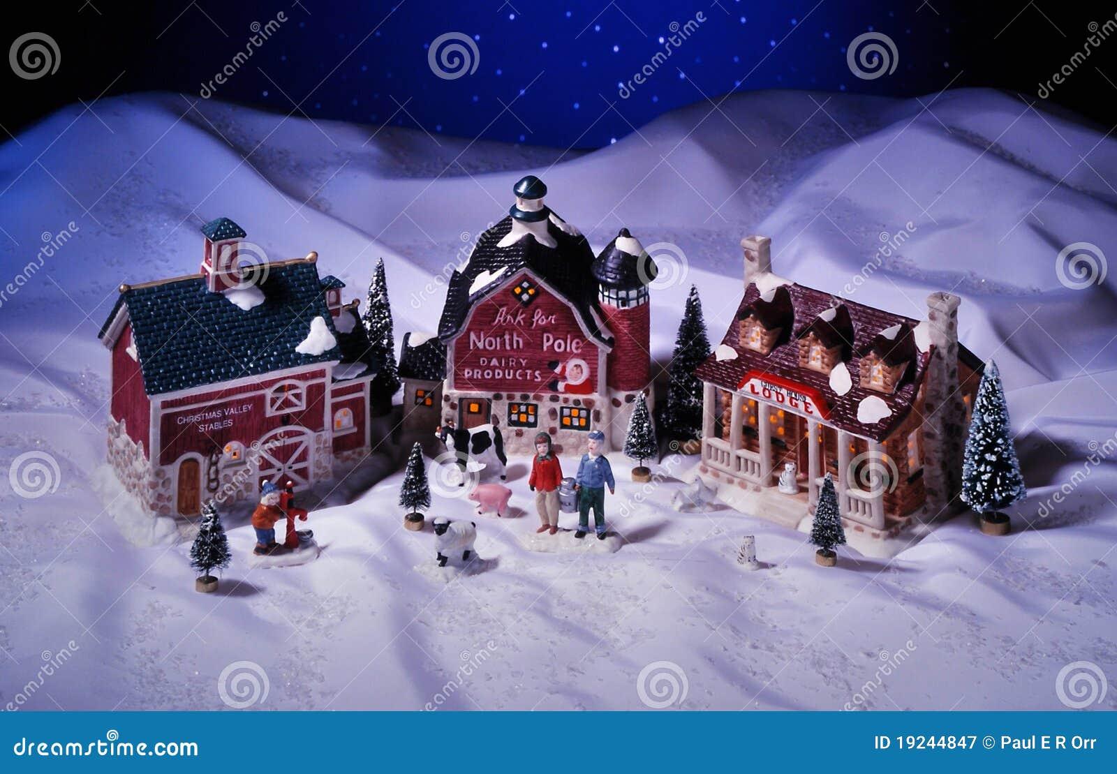 Casas De Cermica De La Navidad Fijadas Imagen de archivo Imagen