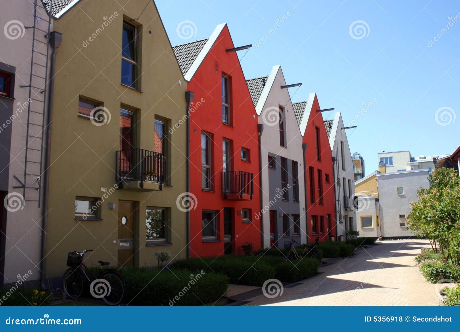 Casas de fileira escandinavas fotos de stock royalty free - Casas escandinavas ...