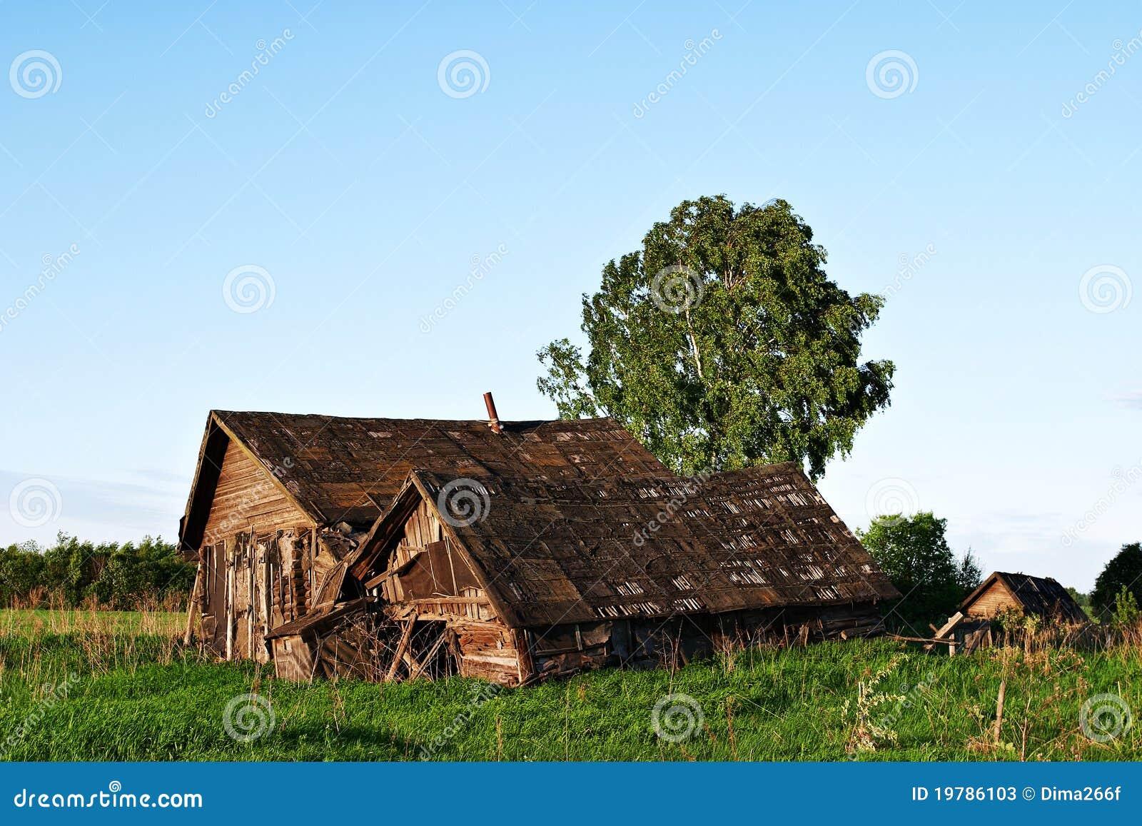 Casas De Madera Viejas Abandonadas En Zona Rural Fotos de ... - photo#49