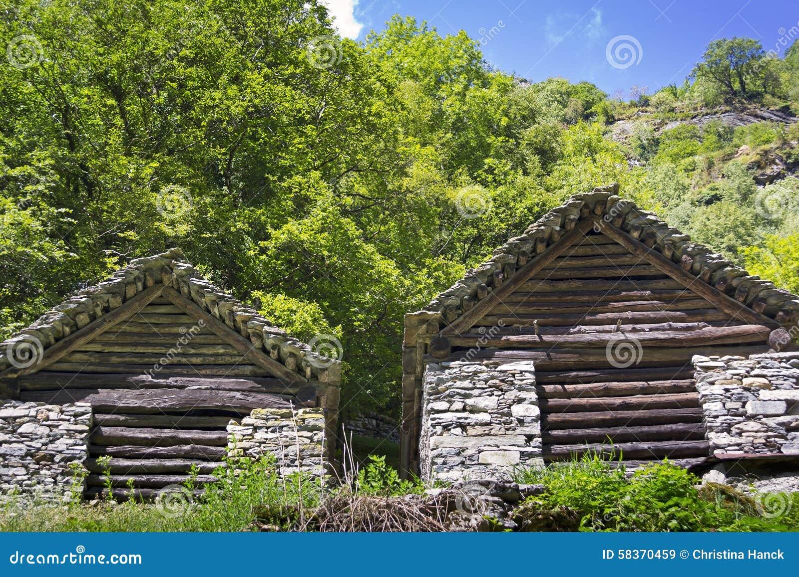 Casas de pedra, Rustico, Ticino