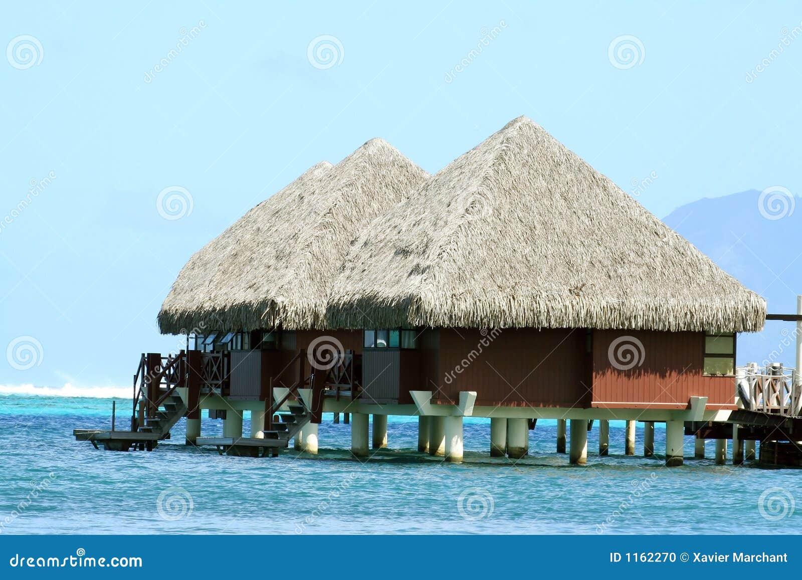 Casas de planta baja de overwater foto de archivo imagen - Casas de planta baja ...
