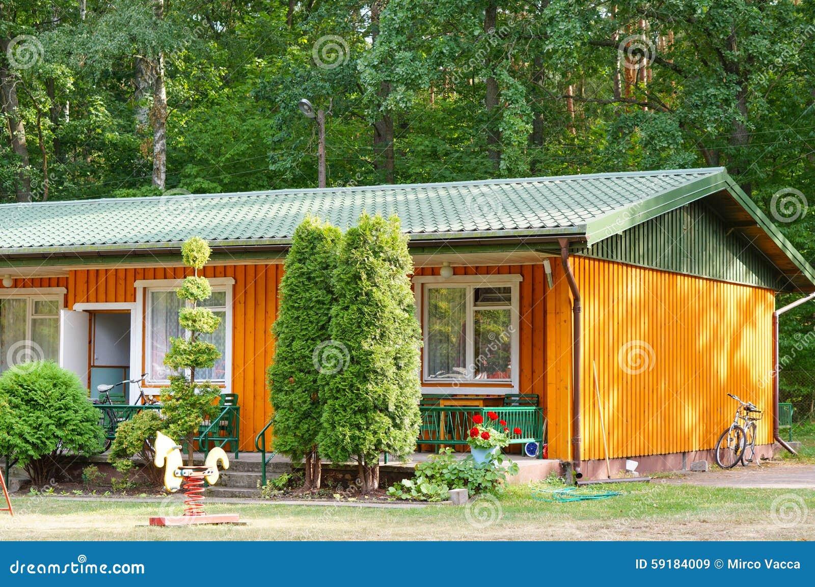 Casas de vacaciones imagen de archivo editorial imagen de - Cambio de casa para vacaciones ...
