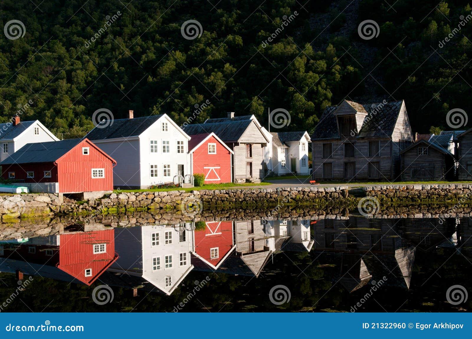 Casas em Laerdal