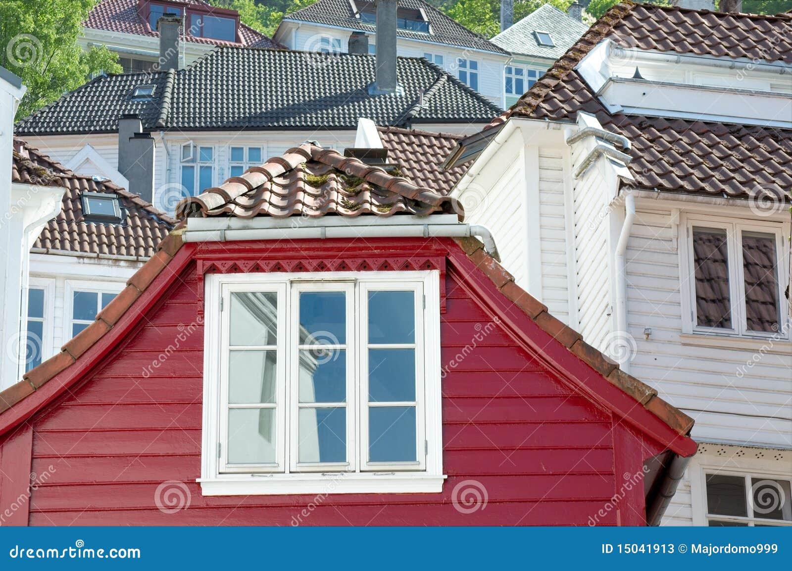 Casas en bergen noruega imagen de archivo imagen de for Casas en noruega