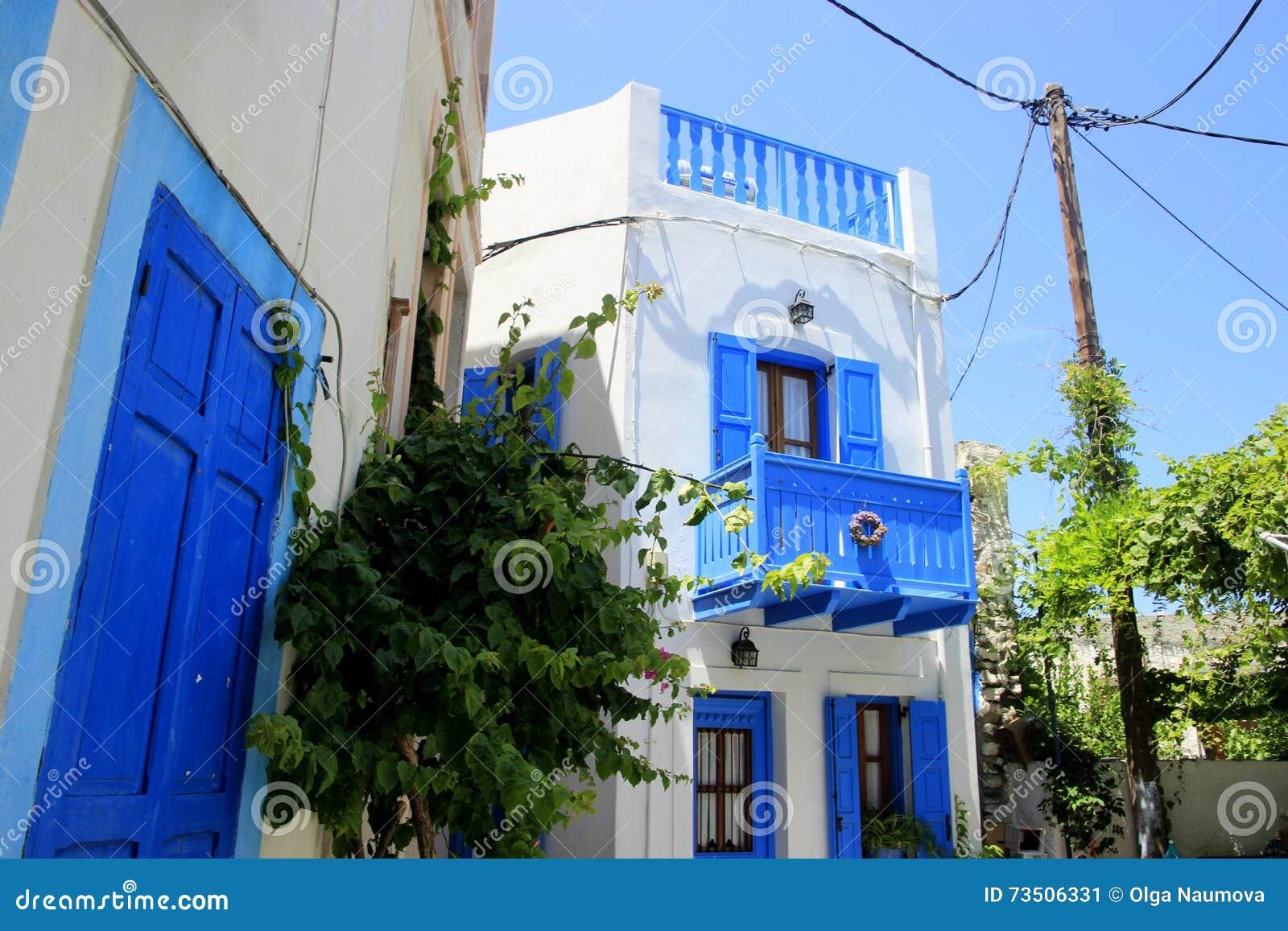 Casas griegas blancas en la isla de nisyros imagen de for Casas en islas griegas