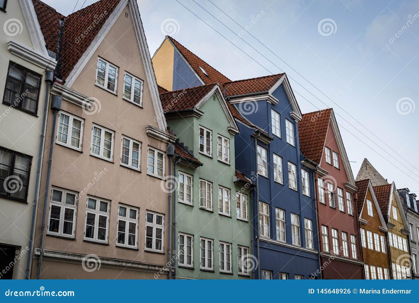 Casas históricas coloridas, Copenhaga, Dinamarca
