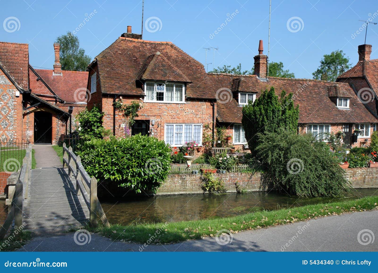 Casas inglesas tradicionales de la aldea foto de archivo imagen 5434340 - Imagenes de casas inglesas ...
