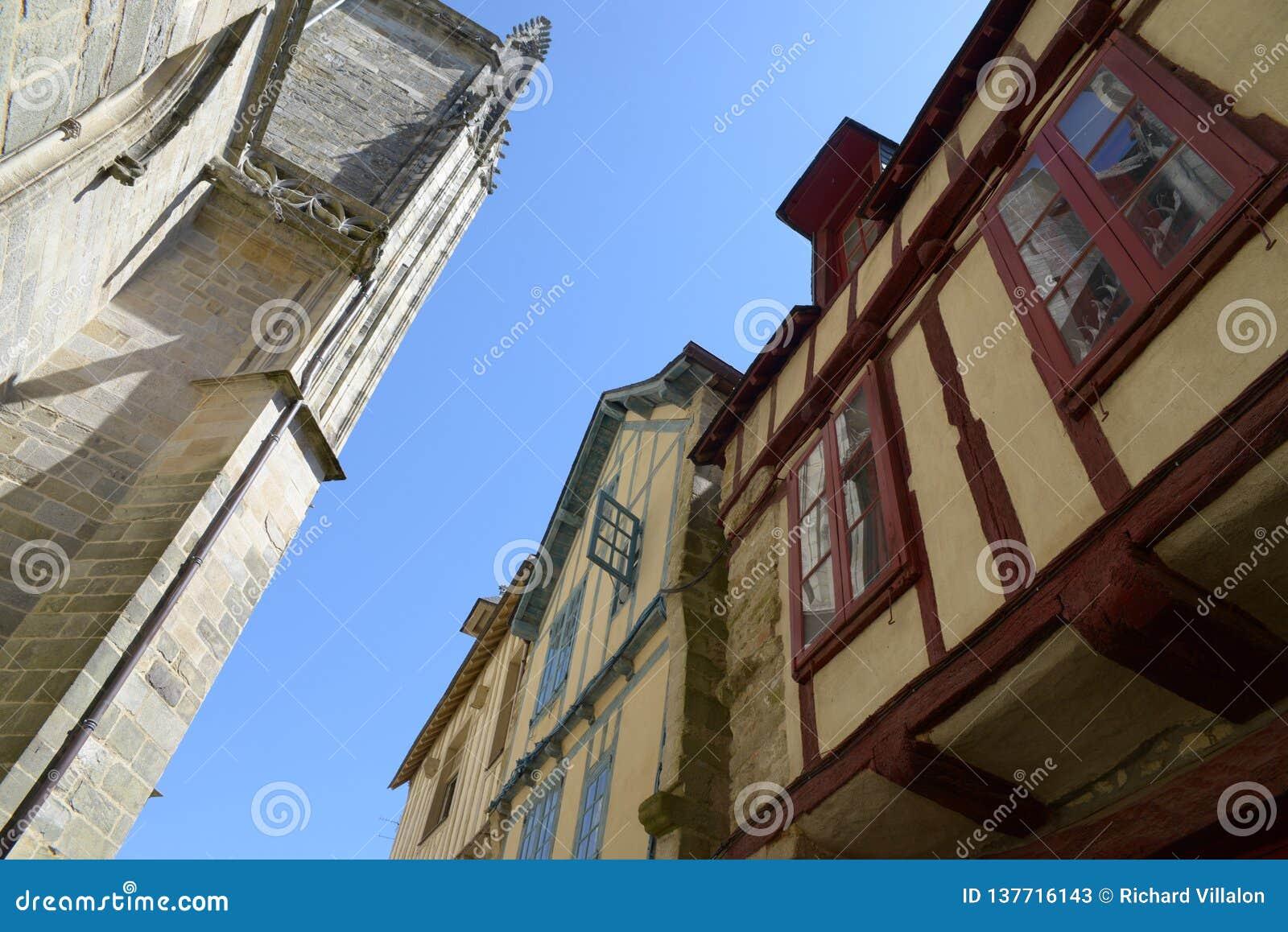 Casas Metade-suportadas em Brittany