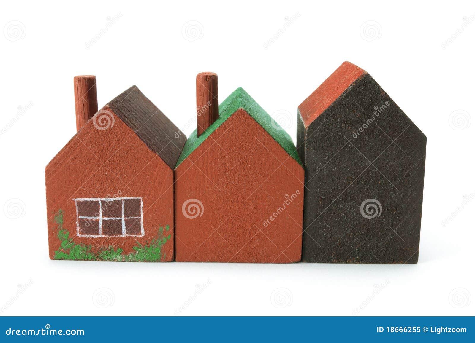 Casas miniatura de madera foto de archivo libre de regal as imagen 18666255 - Casas en miniatura de madera ...