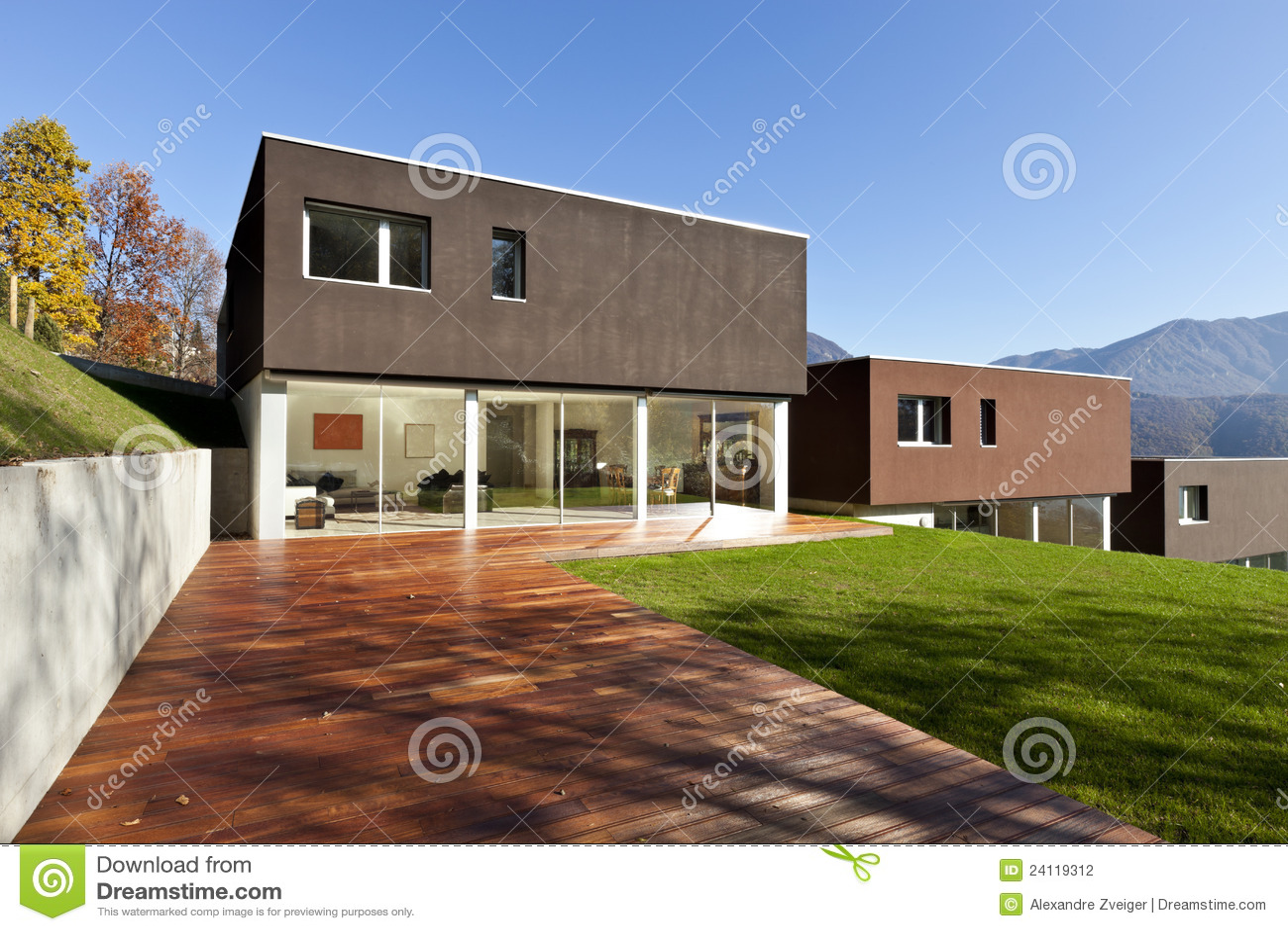 Casas modernas con el jard n fotograf a de archivo for Casas modernas jardines