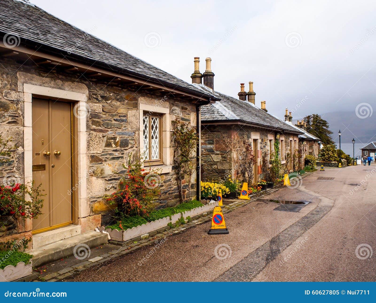 Casas originais do estilo na vila de luss esc cia reino - Casas rurales escocia ...