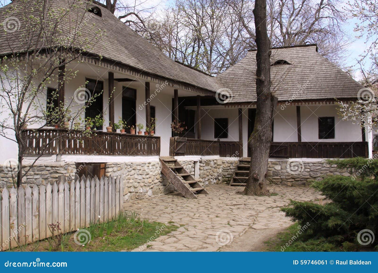 Casas Rumanas Tradicionales Foto De Archivo Imagen 59746061