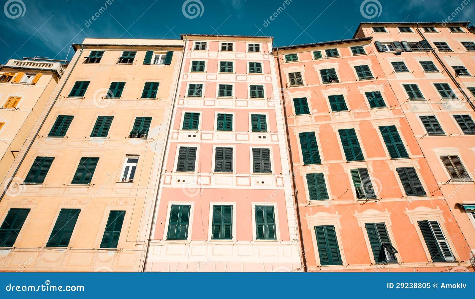 Download Casas Típicas Na Vila Italiana Imagem de Stock - Imagem de antigo, residência: 29238805
