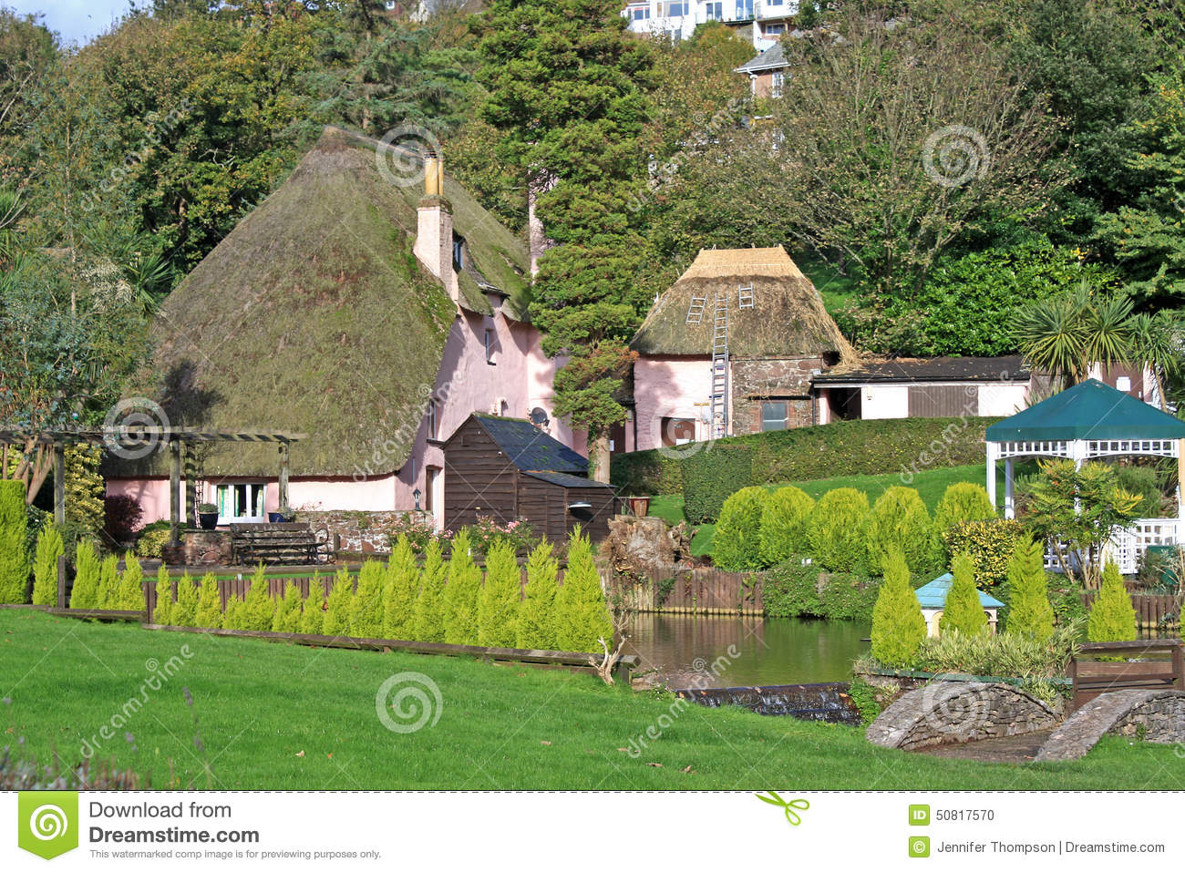 Casas Thatched