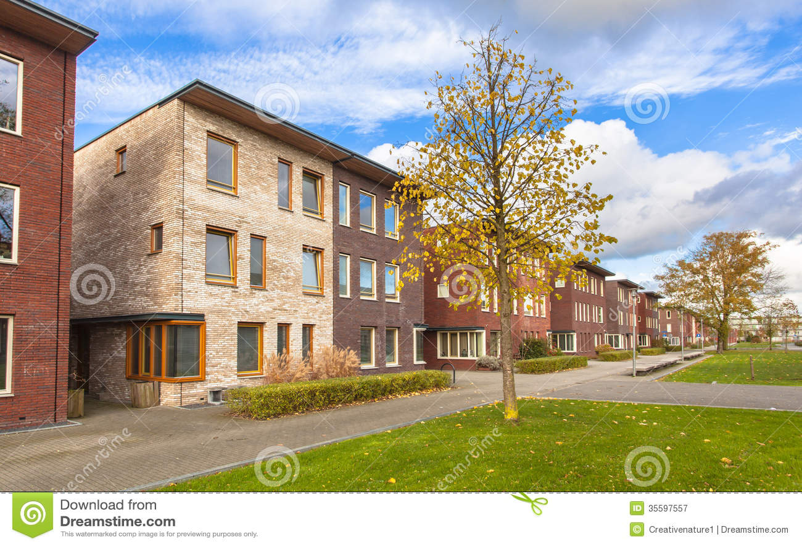 Casas Urbanas Modernas Novas Fotografia De Stock Royalty