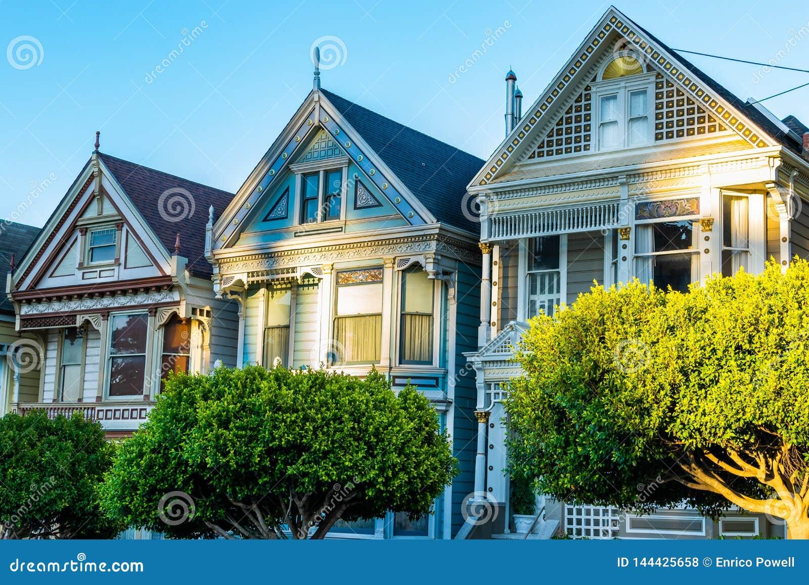 Casas victorianas y de Edwardian del estilo