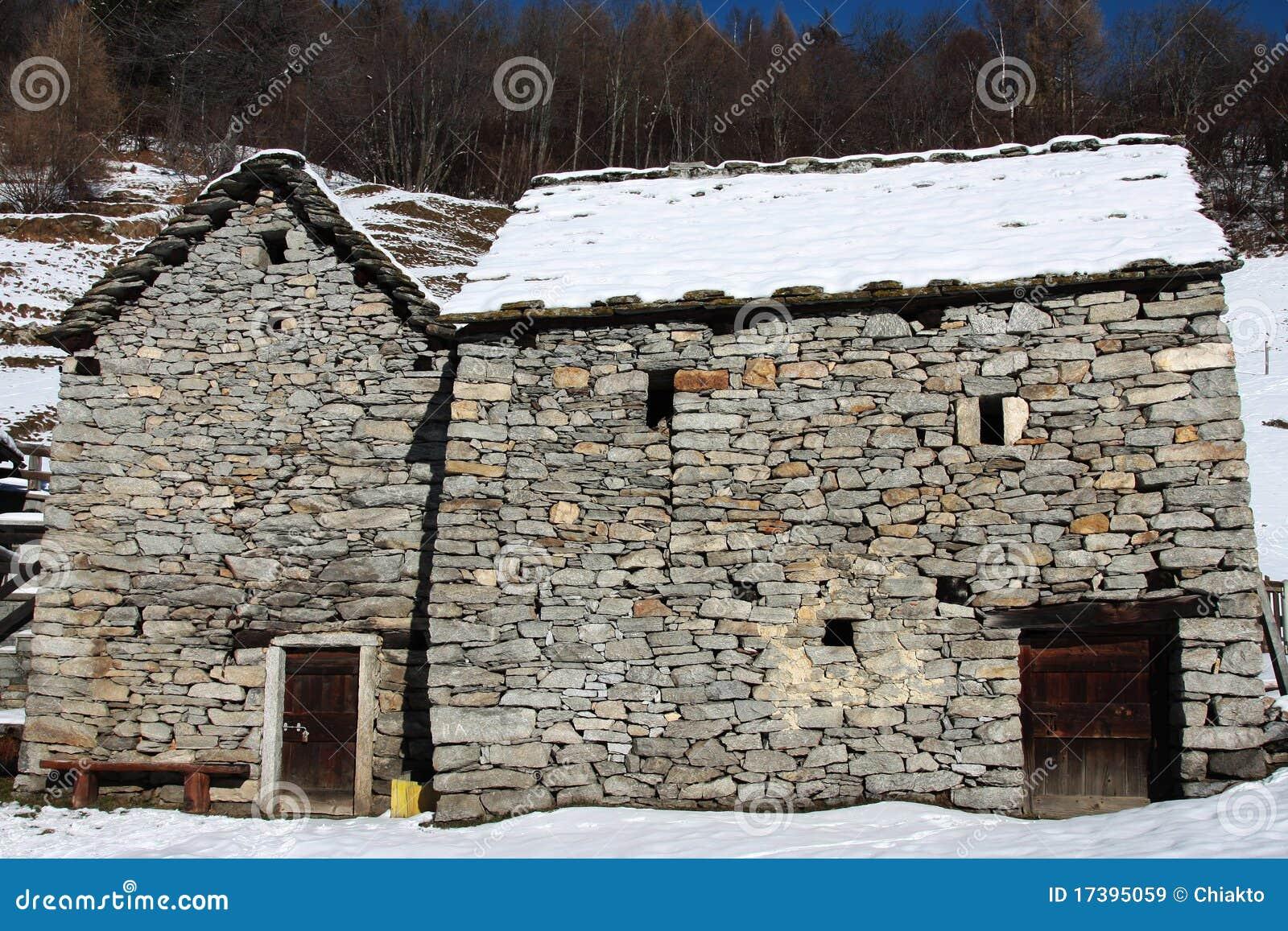 Casas viejas hechas de piedra imagen de archivo imagen - Fotos de casas de piedra ...