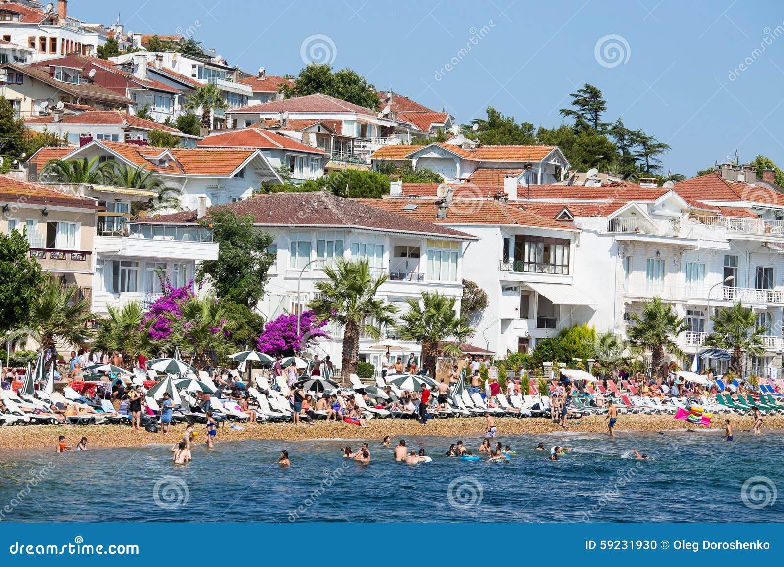 Download Casas Y Hoteles En Islands De Los Príncipes Turquía Imagen editorial - Imagen de azul, marmara: 59231930