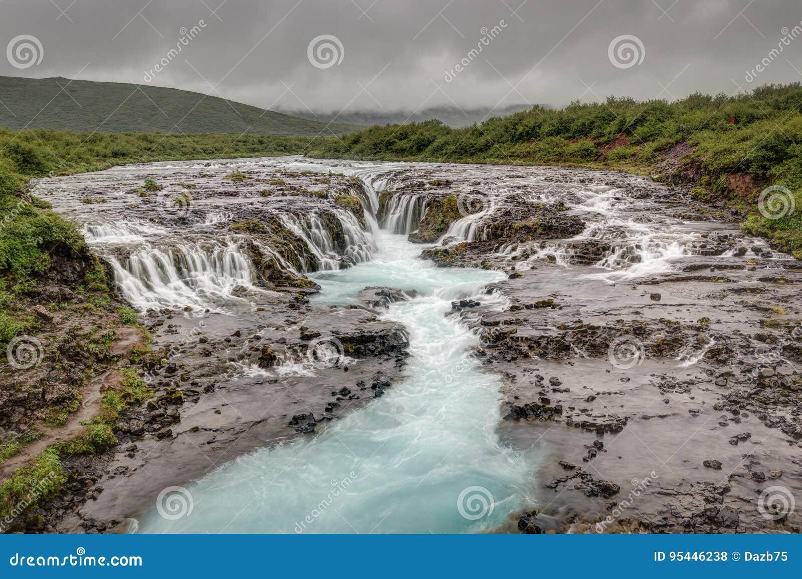 Cascada de Bruarfoss, paisaje de Islandia