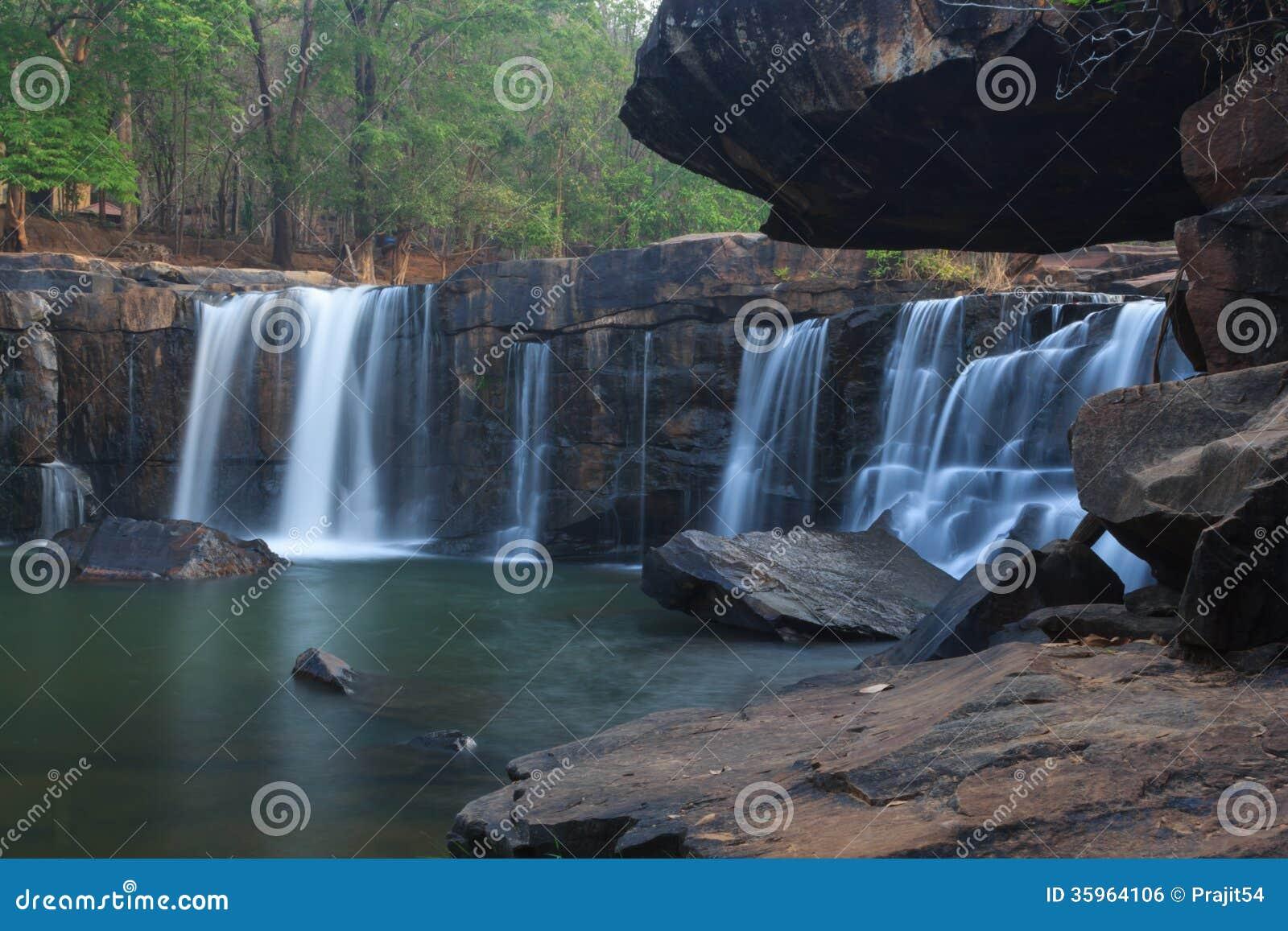 Cascada de la Tad-tonelada