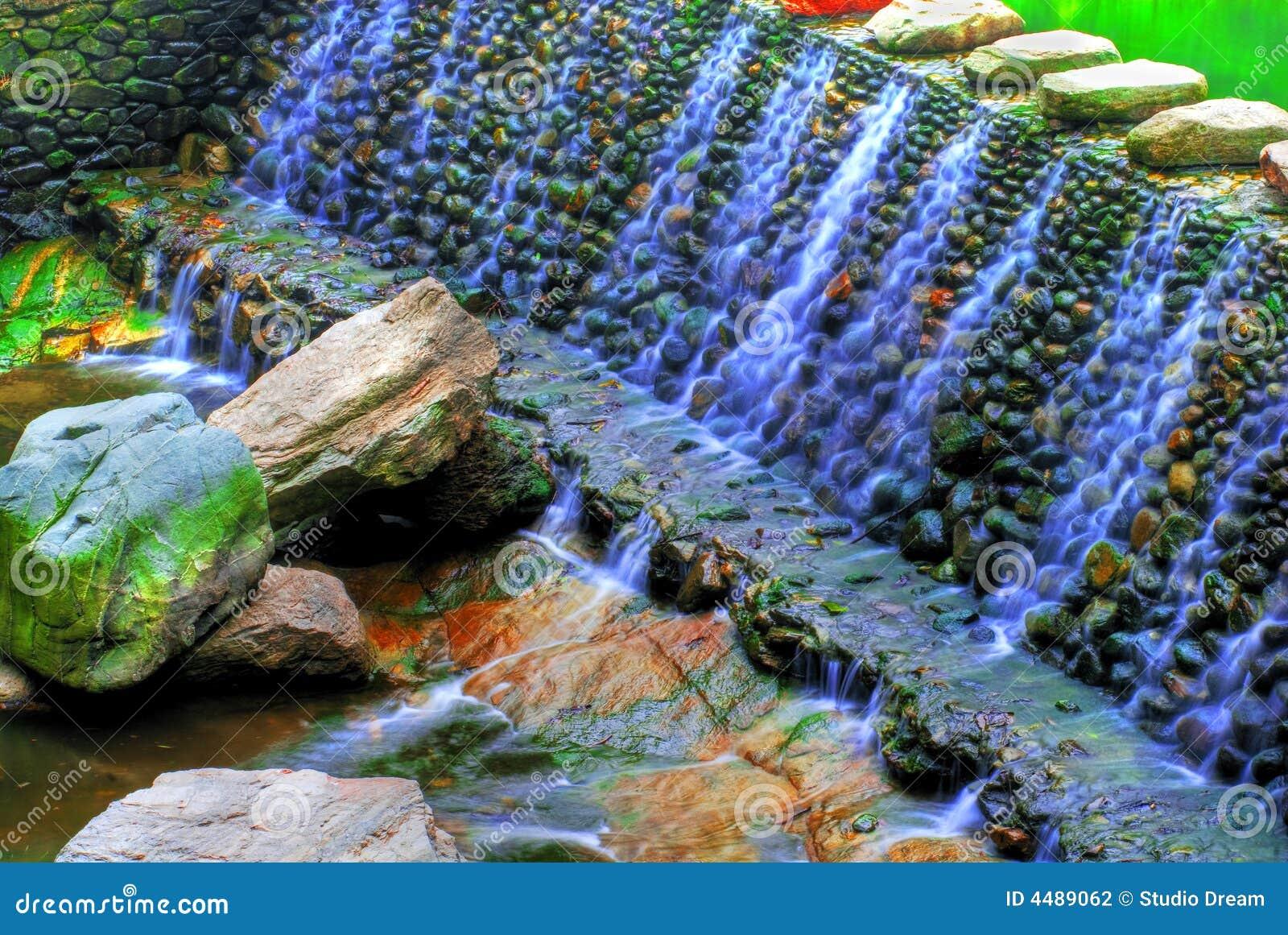 Cascada de piedra fotograf a de archivo imagen 4489062 for Estanques con cascadas de piedra