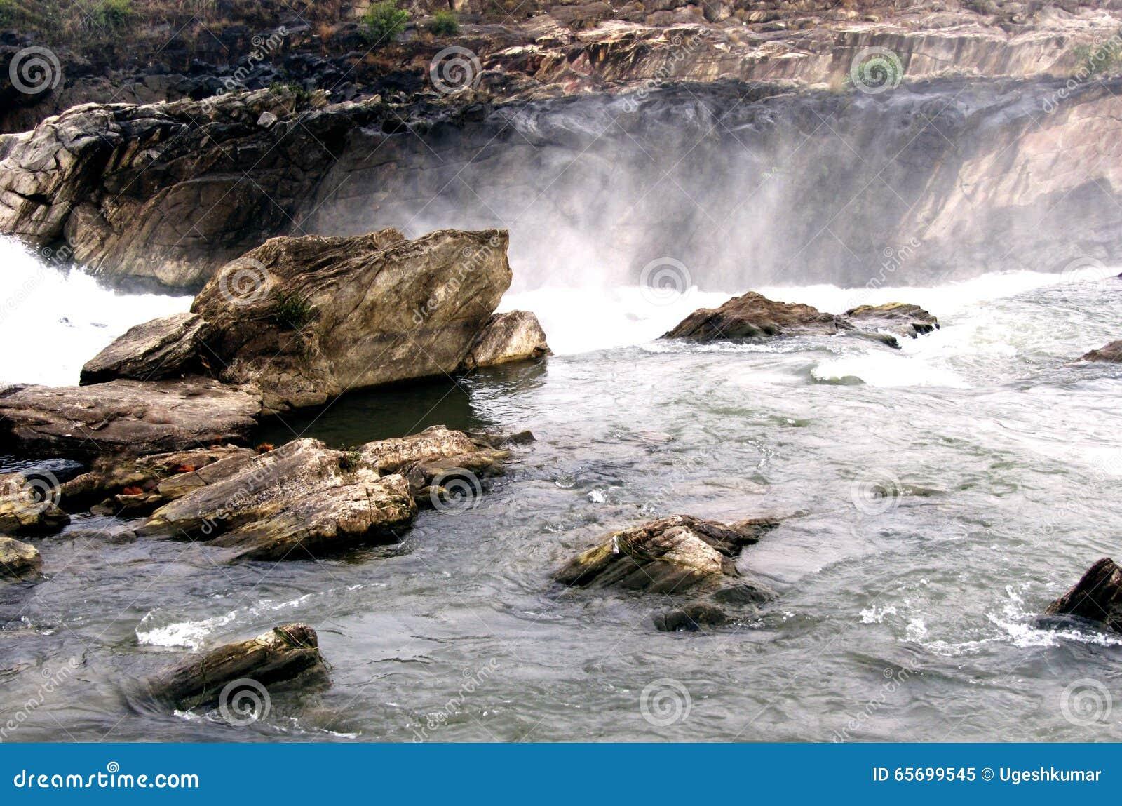 Cascada del río de Narmada, Jabalpur la India
