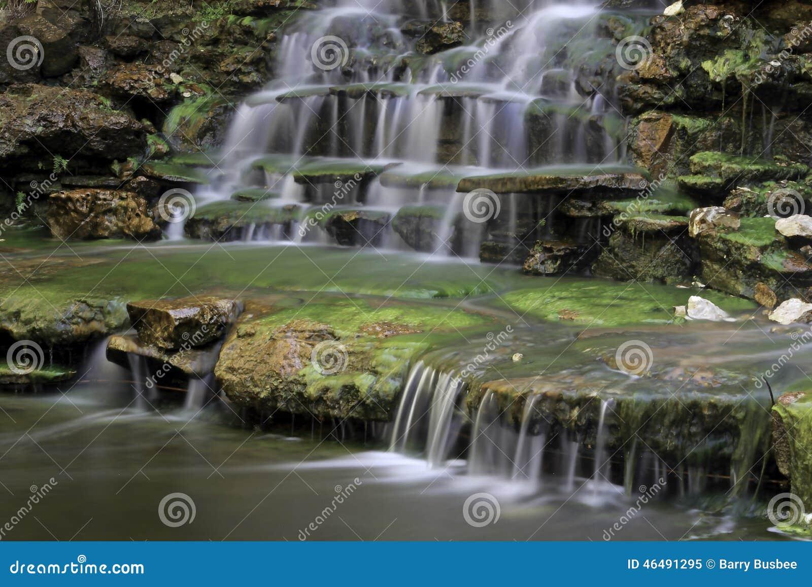 Cascada en el jardín botánico de Zilker