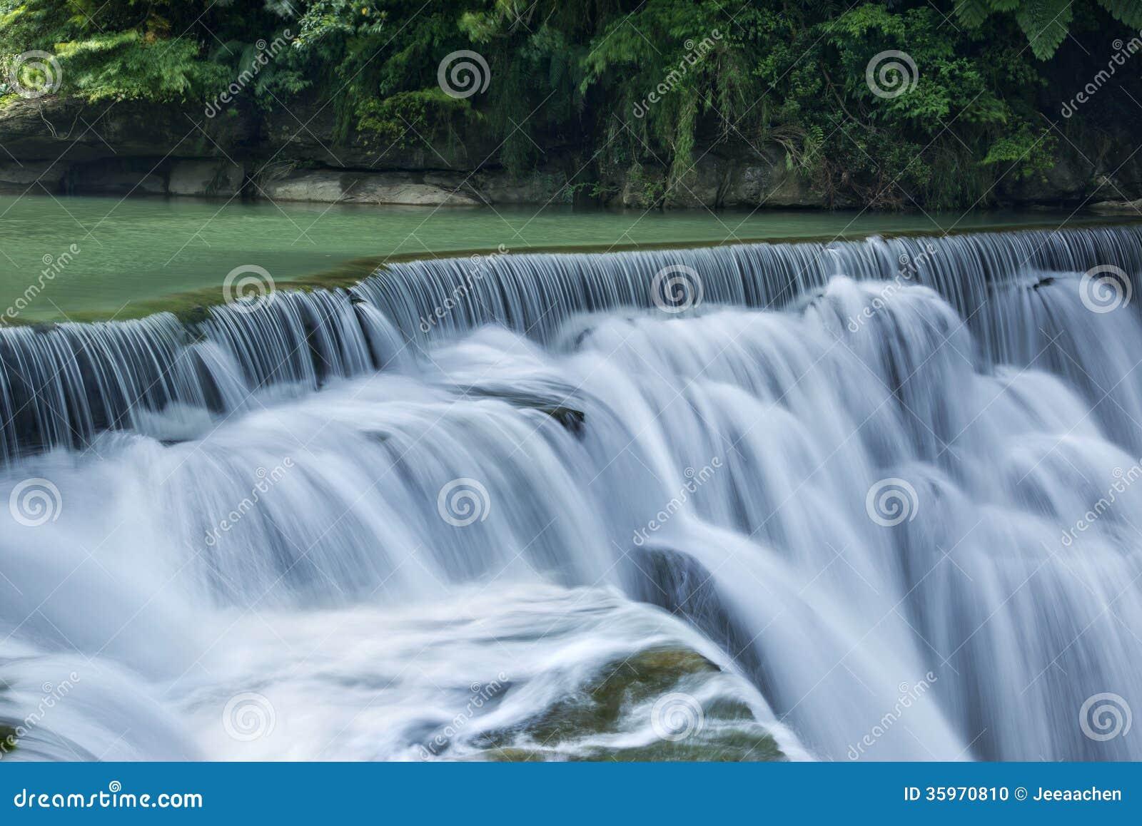 Cascada hermosa en Taiwán
