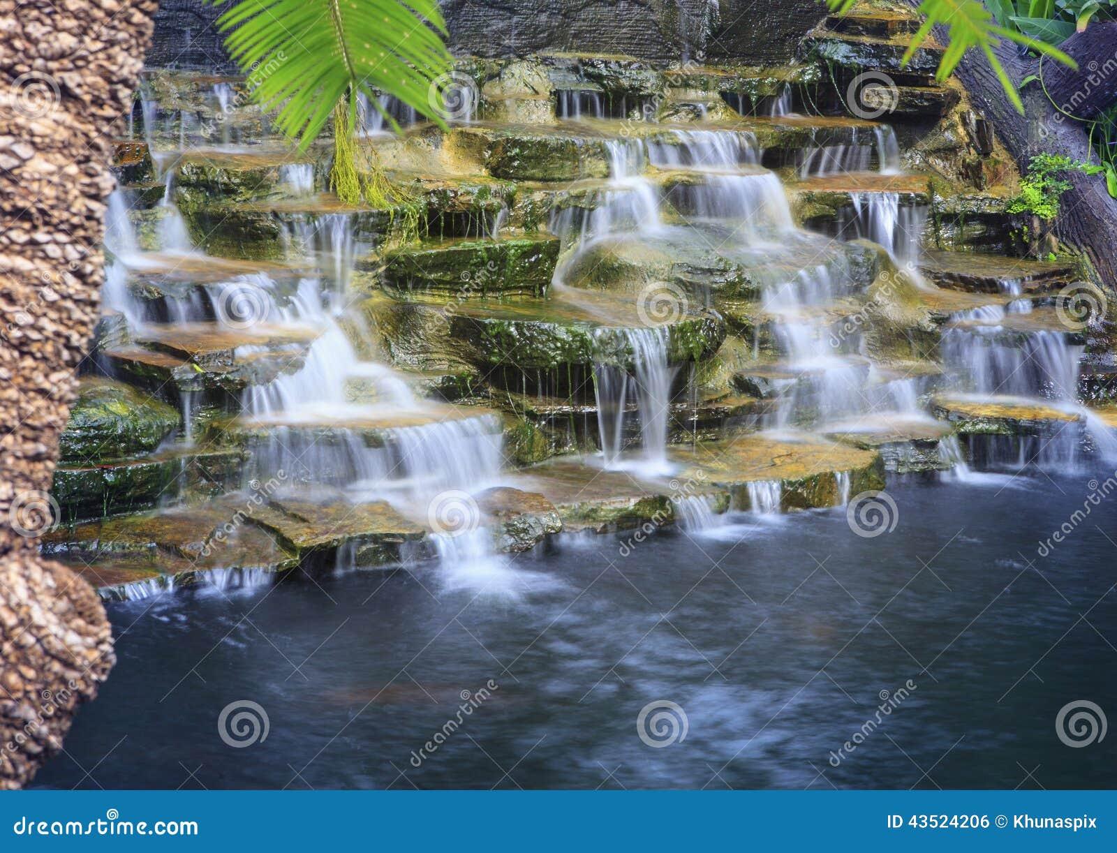 Cascadas Artificiales Con Fotograf A Larga De La T Cnica