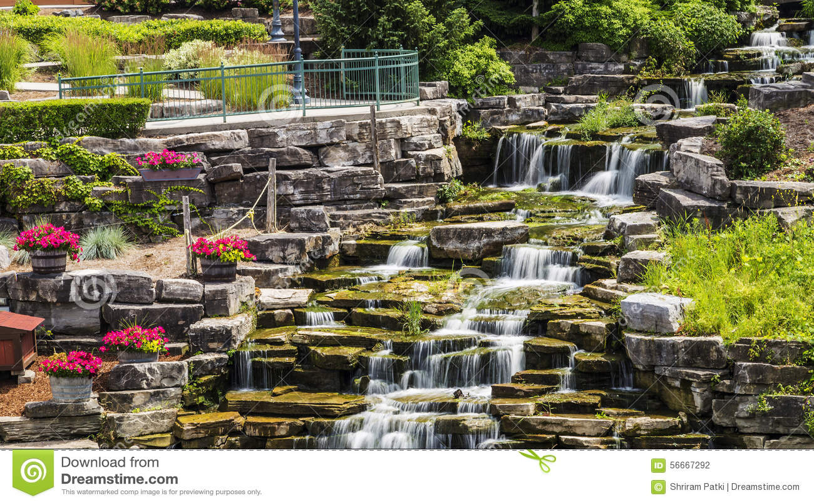 Cascadas artificiales en frankenmuth michigan foto de for Construccion de cascadas artificiales