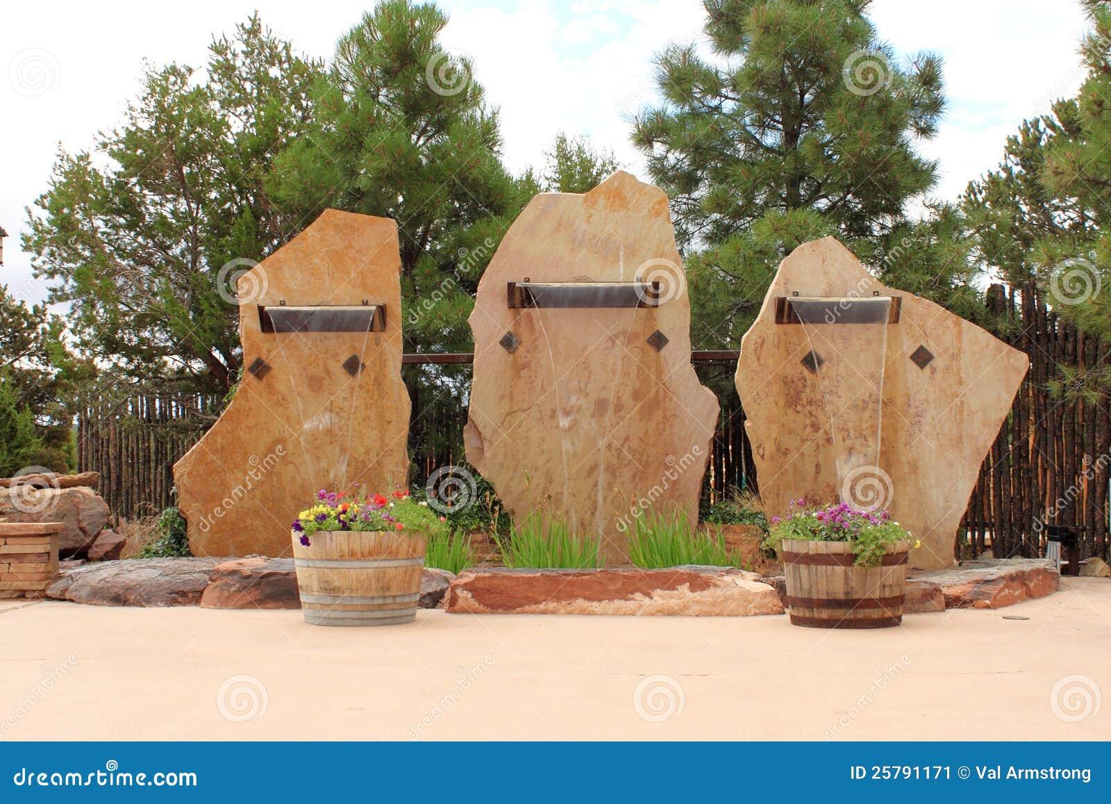 Cascadas de piedra de la losa imagen de archivo imagen for Piedras para cascadas