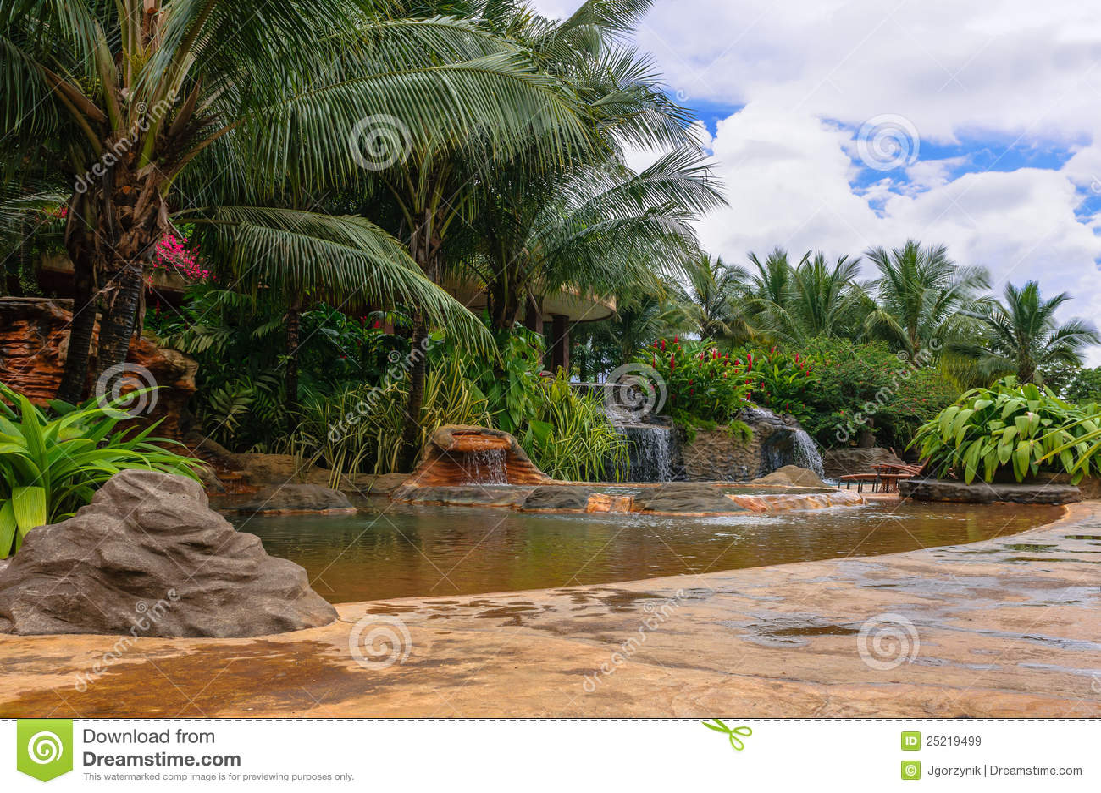 Cascadas de piedra del agua im genes de archivo libres de for Cascadas de piedra