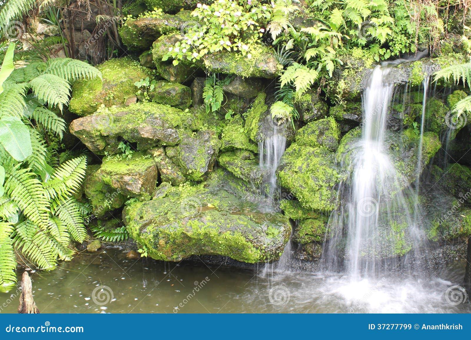 Cascade artificielle images libres de droits image 37277799 - Cascade artificielle exterieur ...