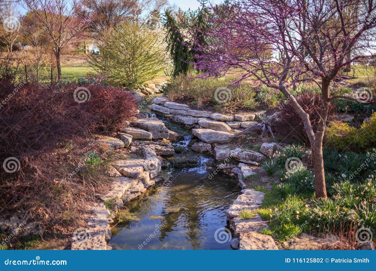 Cascade chez Ted Ensley Botanical Gardens