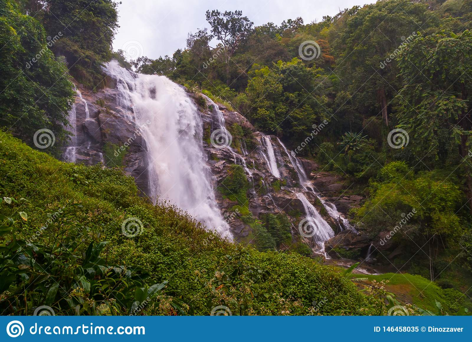 Cascade de Wachirathan, Tha?lande