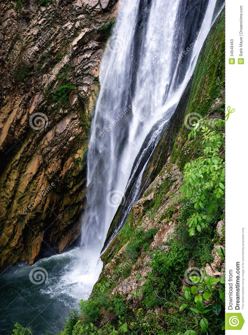 from water shower of flows bottom