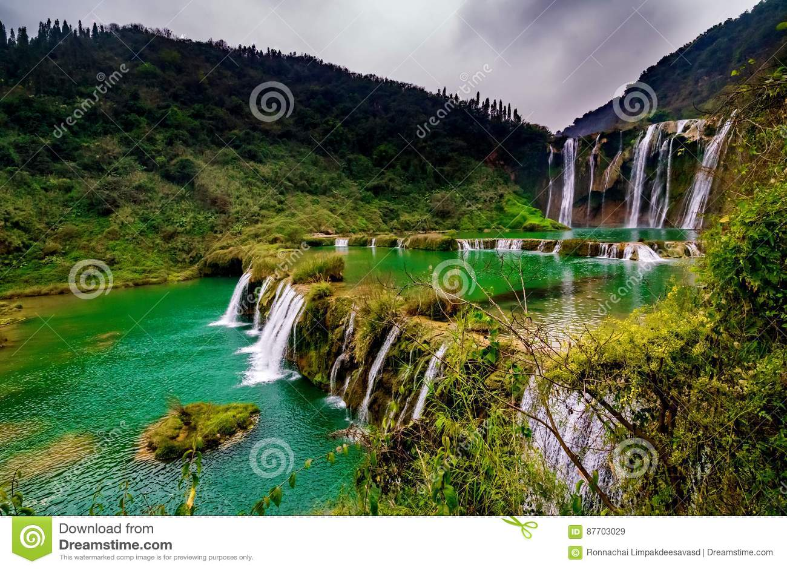 Cascade Yunnan, porcelaine de Jiulong