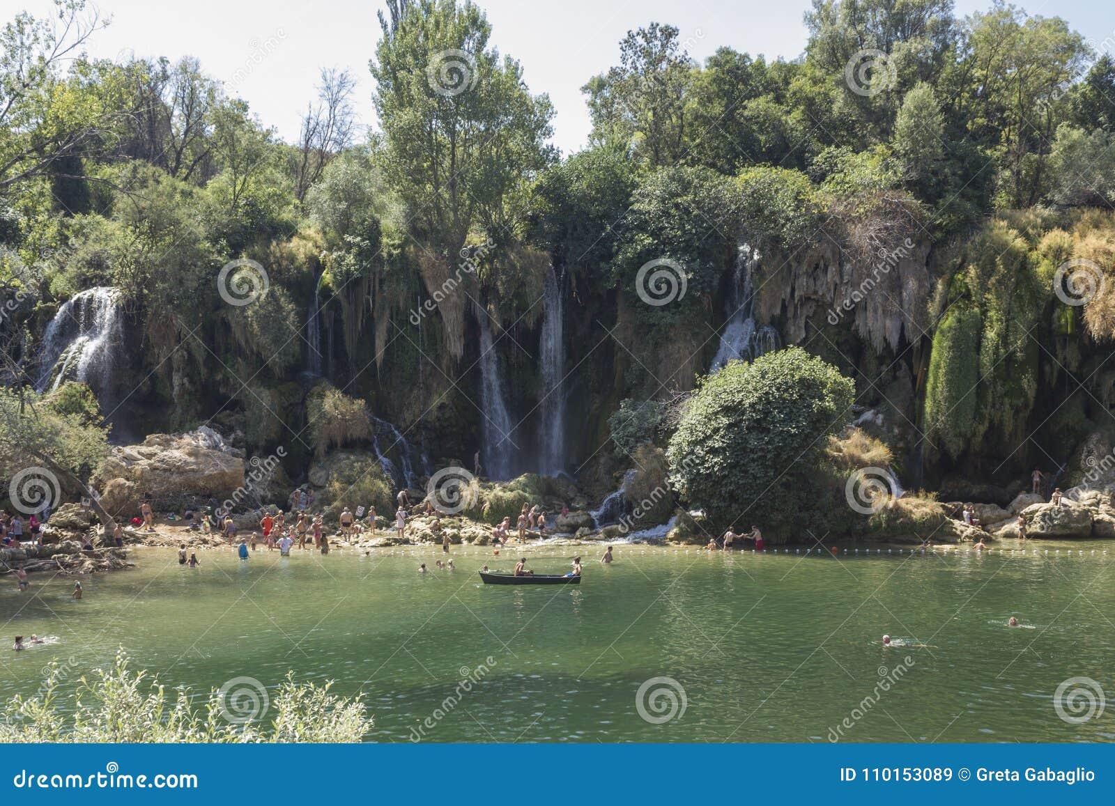 Cascades Naturelles De Kravice D Ok De L Espace Vert En