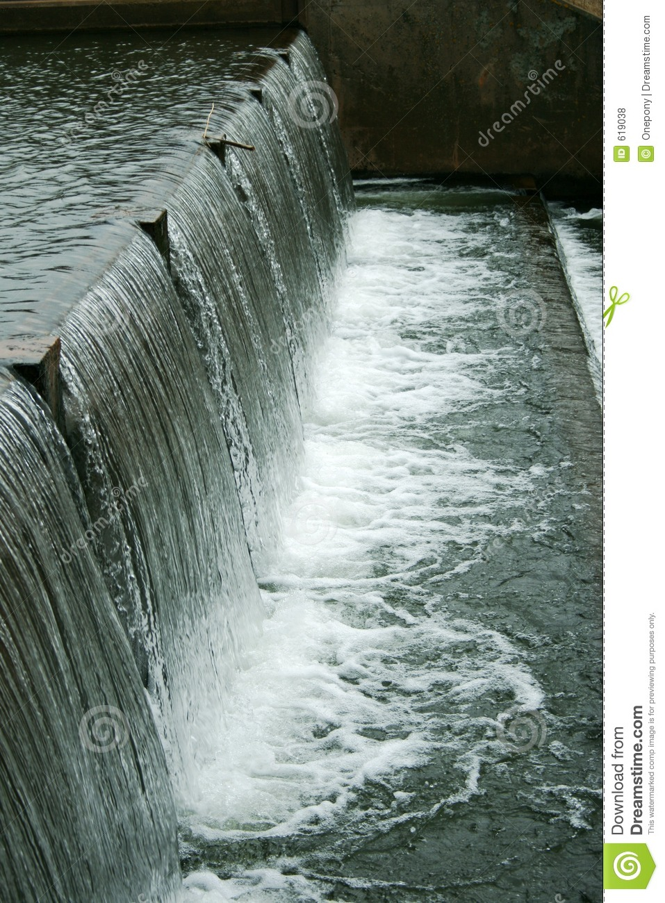 Cascading Water Royalty Free Stock Photos - Image: 619038