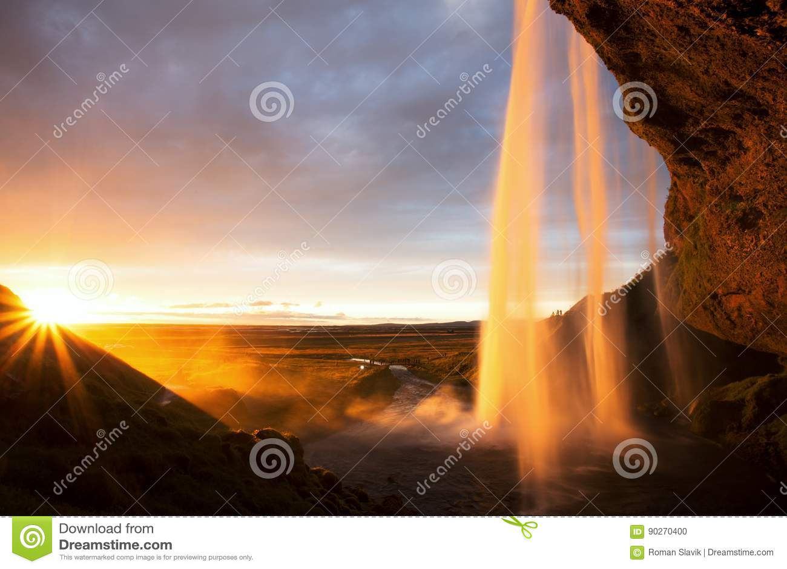Cascata al tramonto, Islanda di Seljalandfoss