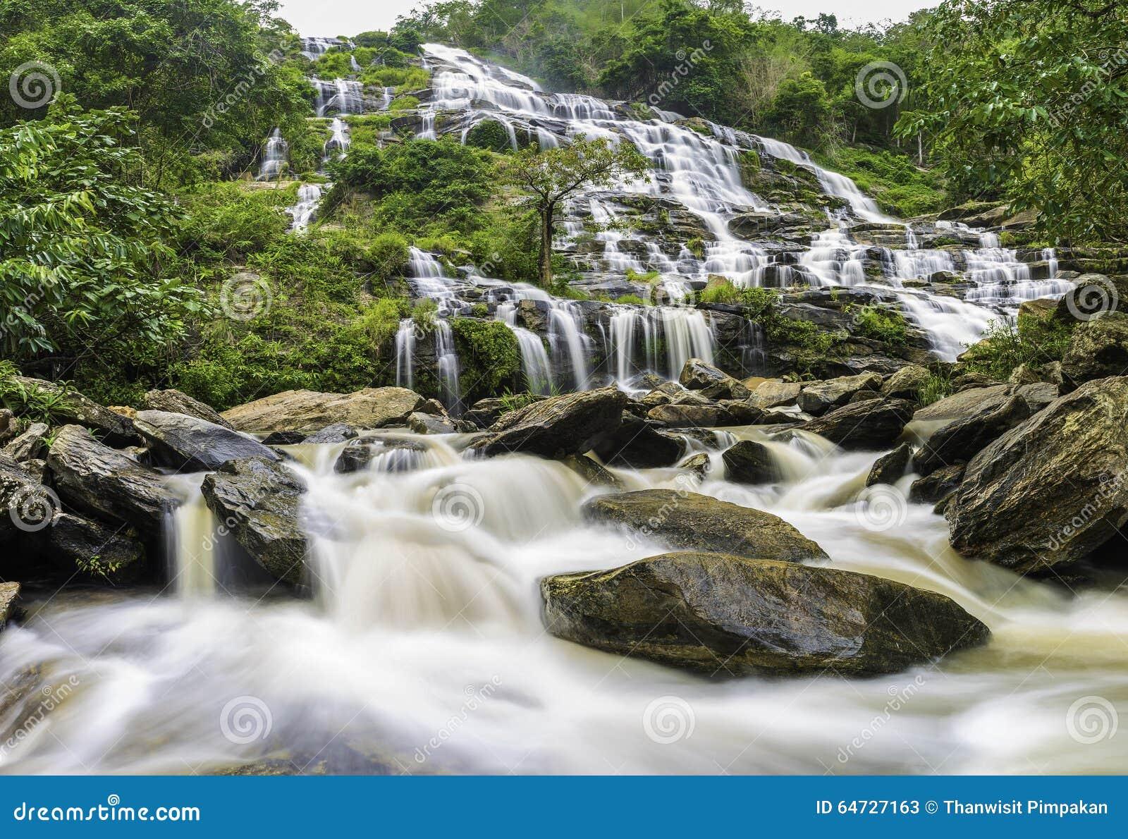 Cascata di Mae Ya
