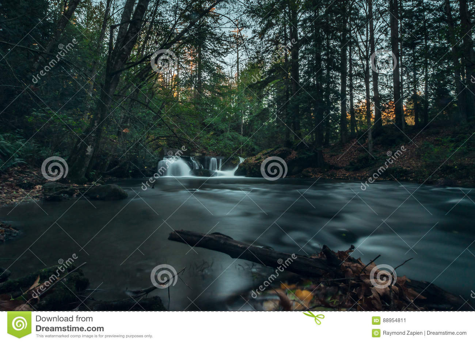 Cascata nascosta