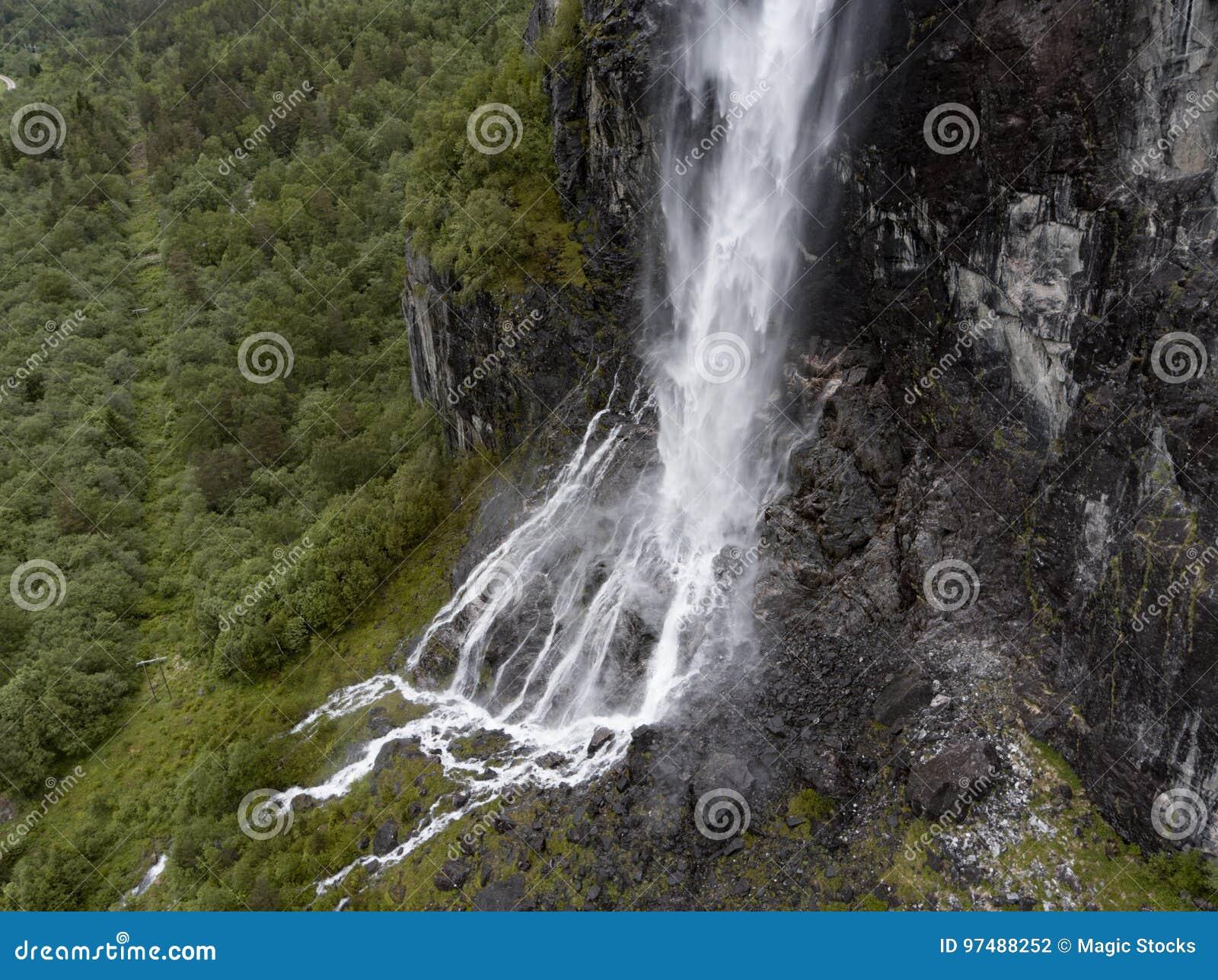 Cascata in Romsdalen