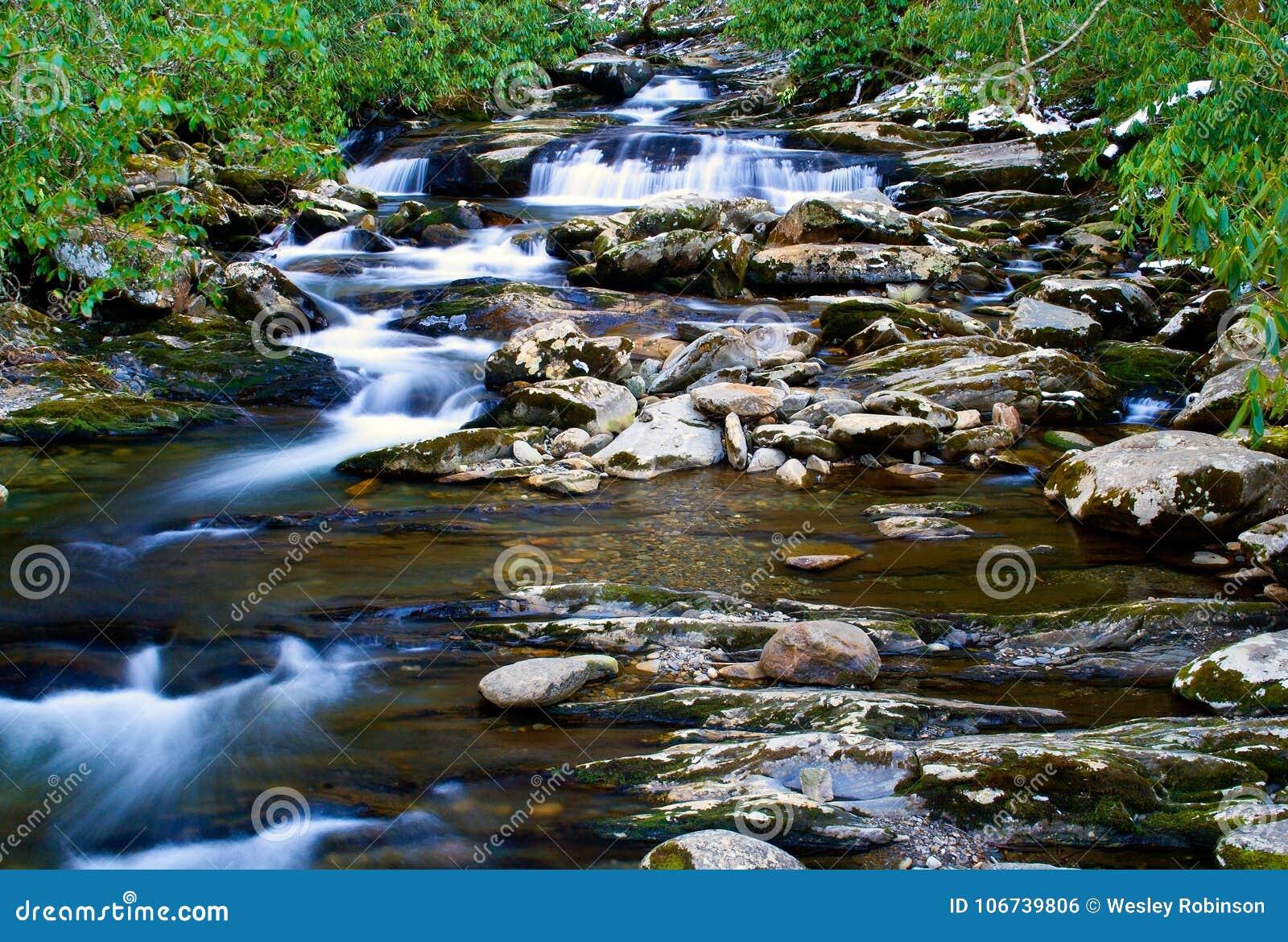 Cascate sulla torrente montano