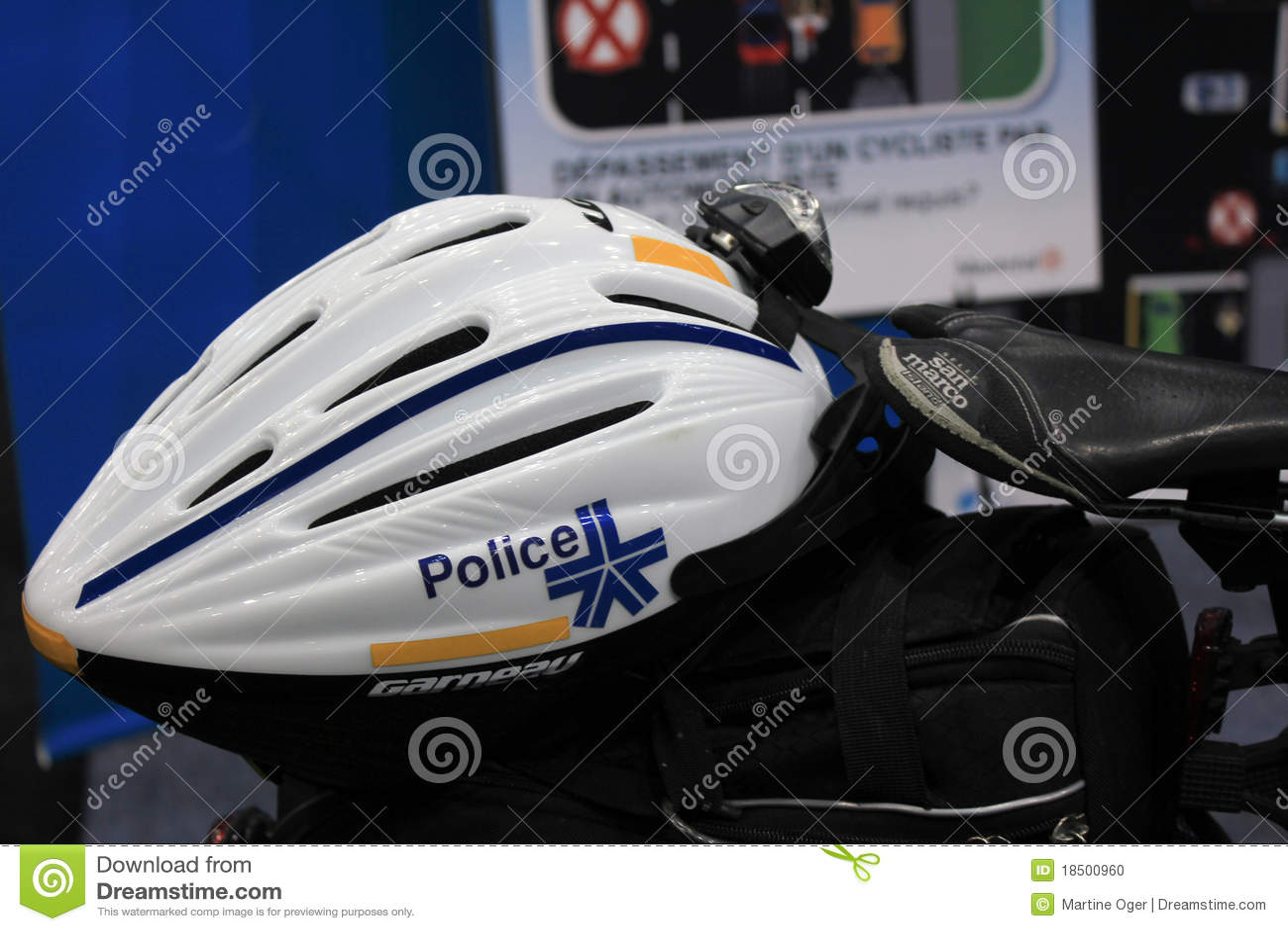 Casco della bici della polizia della citt di montreal for Casco bici citta