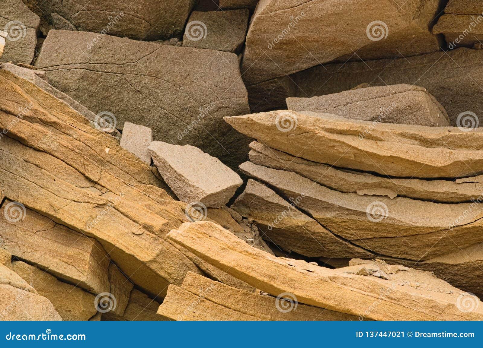 Cascos de la roca