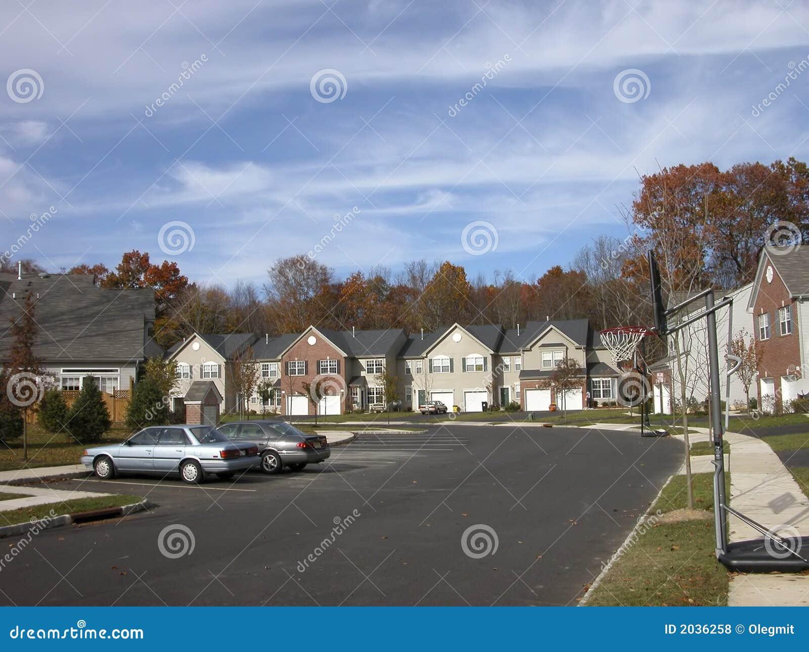 Case americane tipiche in villaggio vicino a princeton for Costruzione di case americane