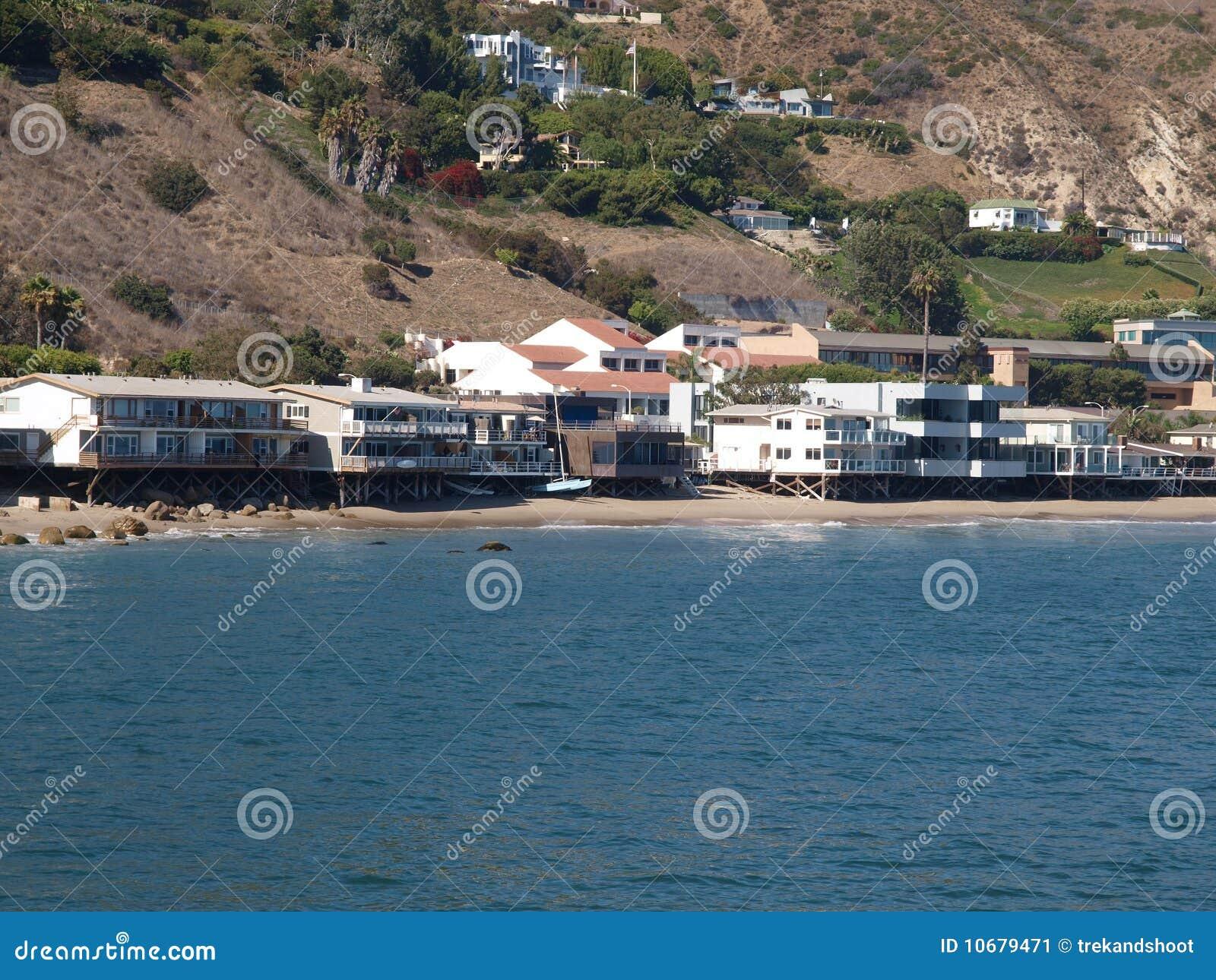 Case della spiaggia di malibu immagine stock immagine for Case mediterranee della california