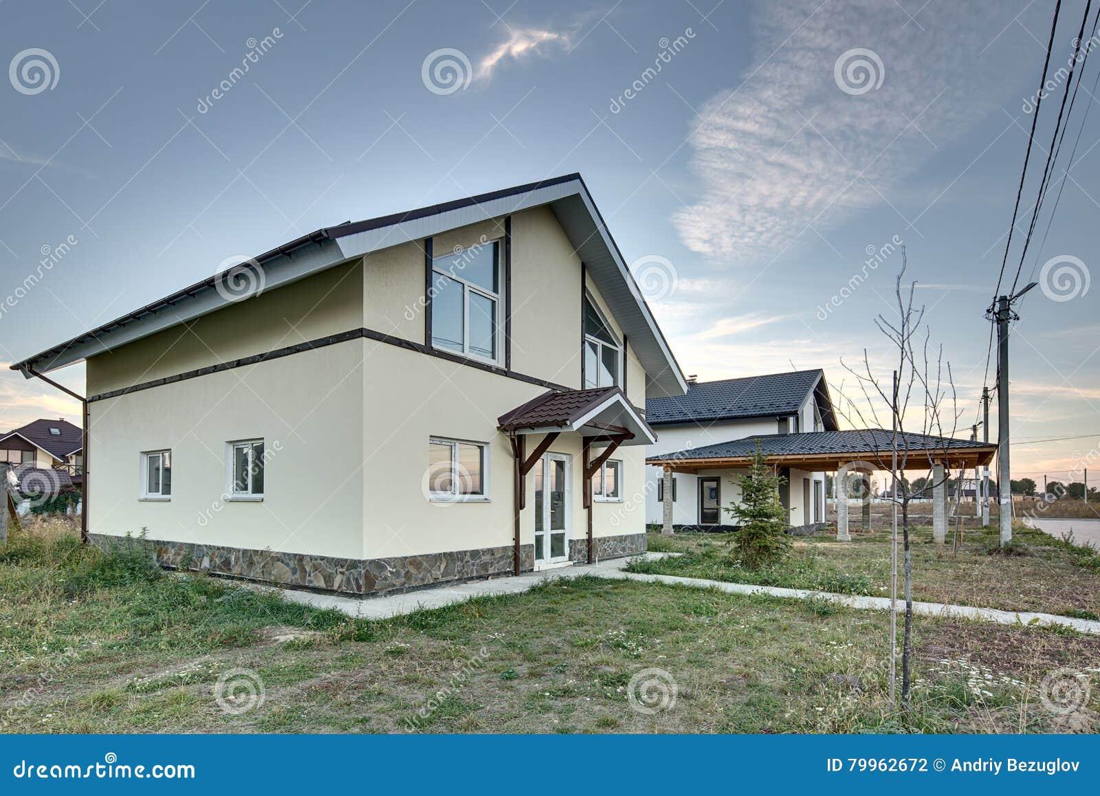 Casette Russe Di Campagna case di campagna nello stile moderno fotografia stock