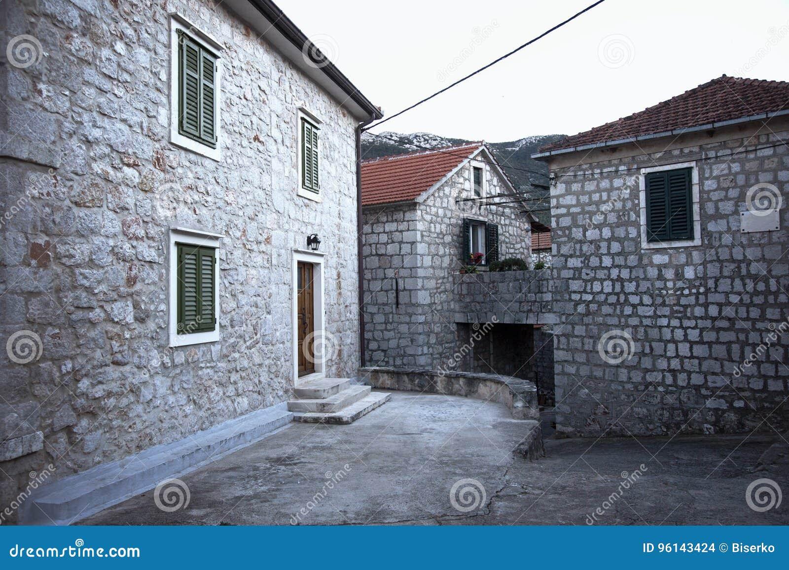 Case In Pietra Antiche : Case di pietra antiche all isola hvar immagine stock editoriale